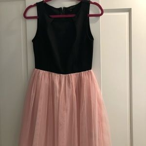Adorable tulle dress - black and pink - size 2